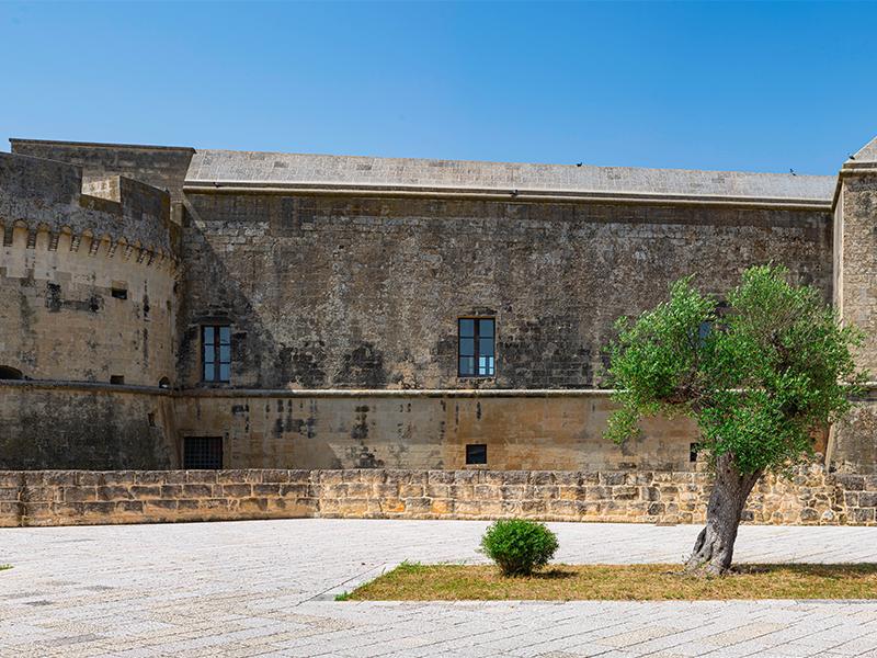 Scopri Acaya, la cittadella fortificata vicino Lecce